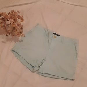 BANANA REPUBLIC LIGHT BLUE KHAKI SHORTS SIZE 0